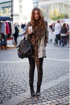 Louis Vuitton leopard stole in Marron - This outfit is so pretty (not into the purse though)!