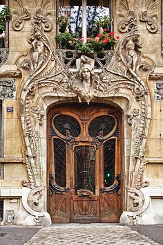 29 avenue Rapp 7th arrondissement   Built by Jules Aime in 1901 Art Nouveau - Paris, France - this is said to be one of the most photographed doors in all of Paris - I can see why