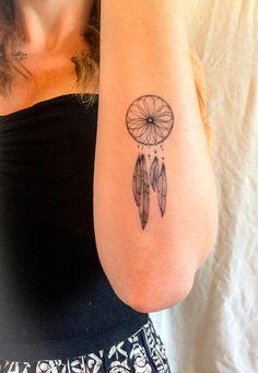 traumf nger tattoo am unterarm tattoo pinterest tattoo tattos and arm tattoo. Black Bedroom Furniture Sets. Home Design Ideas