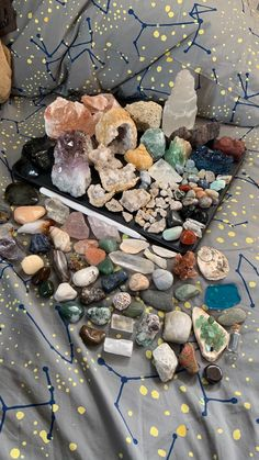 Crystal Room, Crystal Altar, Crystal Magic, Crystal Healing Stones, Crystals And Gemstones, Stones And Crystals, Crystal Aesthetic, Witch Aesthetic, Jolie Photo