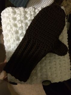 Matching mittens to cowl buttons