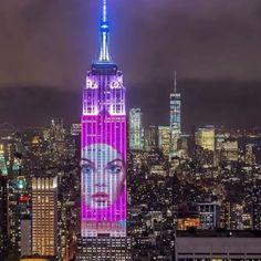현지시간으로 19일 밤 #하퍼스바자 150주년을 맞이해 엠파이어스테이트 빌딩(@EmpireStateBldg)외관에 장식된 바자의 아이코닉 커버들이 뉴욕의 밤을 밝게 비췄답니다. 더 많은 사진과 영상은 #BAZAAR150 해시태그를 검색해 보세요 - @What_i_saw_in_nyc @nyclovesnyc @nycgo  via HARPER'S BAZAAR KOREA MAGAZINE OFFICIAL INSTAGRAM - Fashion Campaigns  Haute Couture  Advertising  Editorial Photography  Magazine Cover Designs  Supermodels  Runway Models