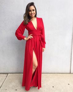 O Dress Red Glam é feito com crepe importado, sem bojo, muito confortável e macio.