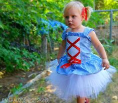 http://fr.halloween.lady-vishenka.com/costumes-little-girls-1-3-years/  42. Déguisements fille 1, 2,  3 ans (65 idées de photos)