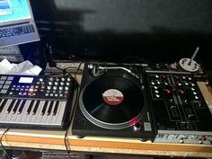 Chop chop chop chop. http://ift.tt/1OIqQJs #sampling #hiphop #dj #producer #turntablism by kutzcobain