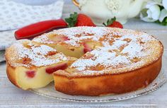 Clafoutis léger aux fraises WW – Plat et Recette Light WW strawberry clafoutis, recipe for a tasty clafoutis flavored with vanilla and very soft, easy and quick to make for a gourmet dessert. Gourmet Desserts, Healthy Fruit Desserts, Healthy Fruits, Easy Desserts, Dessert Recipes, Weight Watcher Desserts, Weight Watchers Meals, Mousse, Coco