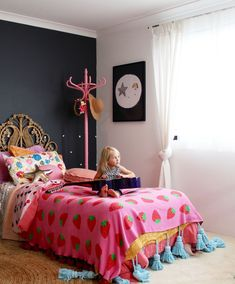 Boho kids bedroom girls bedroom ideas using vintage finds. Bedroom For Girls Kids, Kids Bedroom Designs, Little Girl Rooms, Home Bedroom, Bedroom Decor, Bedroom Ideas, Bedroom Inspiration, Nursery Ideas, Blog