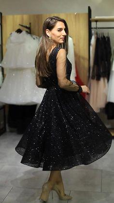 Pretty Prom Dresses, Black Party Dresses, Prom Dresses With Sleeves, Black Evening Dresses, Ball Dresses, Stylish Dresses For Girls, Wedding Dresses For Girls, Elegant White Dress, Pakistani Fashion Party Wear
