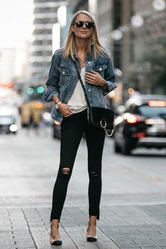 Blonde Woman Wearing Topshop Oversized Denim Jacket Frame Black Ripped Skinny Jeans Chloe Faye Handbag Chanel Slingbacks Fashion Jackson Dallas Blogger Fashion Blogger Street Style