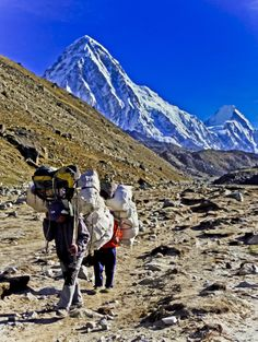 Nepal, Photo essay of Sherpa guides & porters - Mallory on TravelMallory On Travel