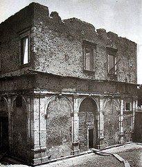 : Il Casino La Vignola Boccapaduli in Piazza di Porta Capena. Questo Casino, realizzato nel 1538 per Prospero Boccapaduli si trovava originariamente sul lato opposto della Piazza, dove ora c'è l'edificio della F.A.O. Fu smontato e ricostruito dove si trova ora nel 1911 Anno: ante 1911