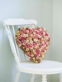 Bloomsbury Flowers, Heart shaped wreath made of pink roses