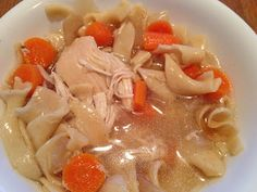 healthy crockpot chicken noodle soup- great for sick days