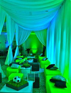 Soccer Themed Bar mitzvah by www.davinciflorist.com