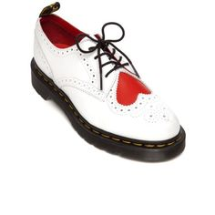 Dr. Martens  Joyce Heart Oxford (€100) ❤ liked on Polyvore featuring shoes, oxfords, oxford, whitehear, dr martens shoes, dr martens footwear, stitch shoes, heart shoes and oxford shoes