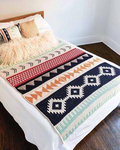 The Art of Crochet Blankets by Rachele Carmona – book Art Au Crochet, Crochet Home, Crochet Crafts, Easy Crochet, Crochet Projects, Free Crochet, Knit Crochet, Chunky Crochet, Crotchet