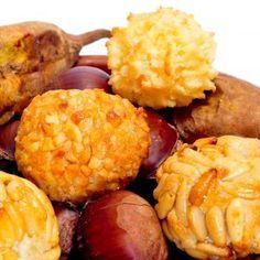 Buñuelos de viento. Una receta tradicional para los niños Empanadas, Recipies, Ethnic Recipes, Pizza, Food, Ideas, Saints, Recipes, Fried Dumplings