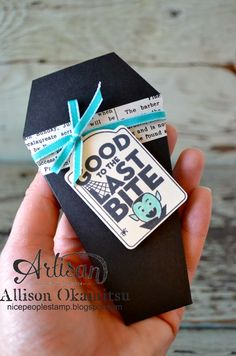 Check out my video tutorial on how to make these Vampire Coffin Halloween Treat Pouches with the Gift Envelope & Trims Thinlits Die. - Allison Okamitsu
