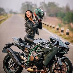 Biker girl on Kawasaki Ninja H2R