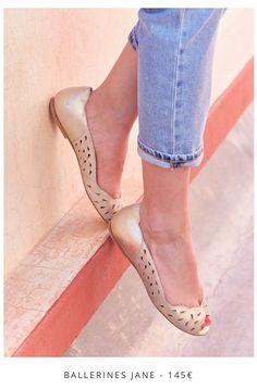 Sézane Mode Plus, Shoes Sandals, Flats, Walk On, Mode Inspiration, Second Skin, What To Wear, Style Me, Kitten Heels