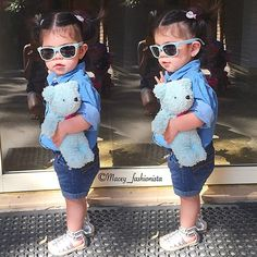 My heart melts Darling ❤️ #ootd_kids#ootdkids_ig#kidzootd_#kidsstylezz#ig_kids#ig_minis#ig_fashionkiddies#mini_stylishkids#little_fashionistas#kidsfashionistamodel#kidsfashionforall#kidslookbook#hypebeastkids#beautiesandgents#stylish_cubs#stylishigkids#minifashiontrends#flyfashionkid#fashionminis#lilfashionrunway#stylishcutefashionkids#childlookbook#childofig#official_kidsfashion#maceysdiary#maceyfashionista#totsontheblock#fashionkids_insta#minisootd#minifashiontrends#tap for outfit details