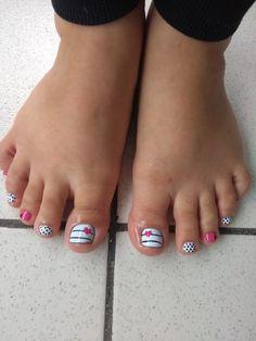 Unhas decoradas Manicure, Pedicure Nail Art, Toe Nail Art, Toenail Polish Designs, Toe Nail Designs, Nails For Kids, Girls Nails, Cute Toe Nails, Pretty Nails