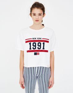 Camiseta básica con bandera - Camisetas - Ropa - Mujer - PULL&BEAR España