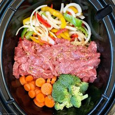 Healthy beef stir-fry made in the slow cooker or Instant Pot! This paleo, Healthy beef stir-fry made in the slow cooker or Instant Pot! This paleo, and gluten-free recipe is healthy but still has the flavors of your take-out. Crock Pot Recipes, Healthy Crockpot Recipes, Slow Cooker Recipes, Beef Recipes, Drink Recipes, Crockpot Meals, Asian Recipes, Recipies, Ethnic Recipes