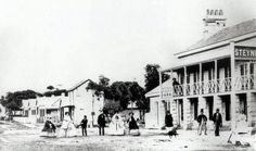 The Steyne Hotel and the Corso in Manly,in the Northern Beaches region of Sydney in the Sydney Map, Sydney City, Manly Sydney, Avalon Beach, Manly Beach, Cheap Hotels, Local History, Historical Pictures, Old Photos