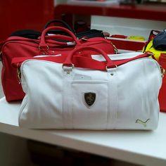 Novidades na Ferrari Store: Bolsas Ferrari em couro italiano by Puma. Venham conferir e surpreender-se com o estilo S.A.X.    #ferraristore