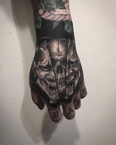 Blackwork by Gara Skull Hand Tattoo, Hand Tats, Skull Tattoos, Body Art Tattoos, Evil Skull Tattoo, Creepy Tattoos, Dope Tattoos, Badass Tattoos, Forearm Tattoos
