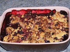 Crumble fruits rouges chocolat blanc : Recette de Crumble fruits rouges chocolat blanc - Marmiton