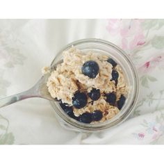 Breakfast Overnight oats with blueberries