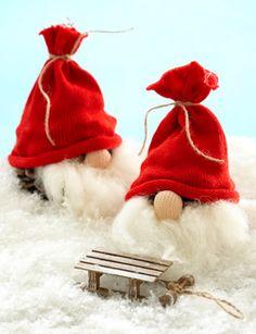 Nisser med skæg, grankogle-nisser, granfætre, julehåndarbejde, nisser til pynt