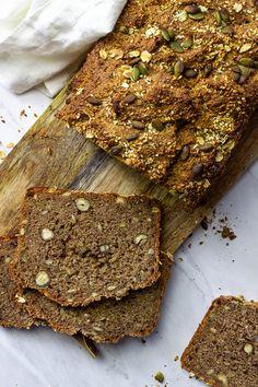 Seed - Nut - Whole Grain Bread with spelt or wheat(vegan, wfpb) - Ve Eat Cook Bake Spelt Bread, Almond Flour Bread, Spelt Flour, Whole Wheat Bread, Whole Wheat Flour, Oat Flour, Vegan Baking, Bread Baking, Bread Storage