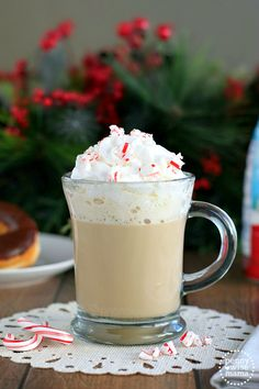 Homemade Peppermint Coffee Creamer recipe is a festive way to enjoy your coffee and get more done during the holiday season. Sweet peppermint in hot coffee Peppermint Coffee Recipe, Peppermint Mocha, Coffee Creamer Recipe, Vanilla Coffee Creamer, Pumpkin Pie Recipes, Coffee Recipes, Yummy Drinks, Delicious Desserts, Fun Drinks