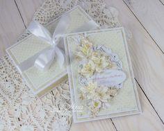 Witajcie. Dzisiaj mam dla Was dwie ślubne kartki w formacie A5, jak zwykle pełne kwiatów z Wild Orchid Crafts, z wykrojnikami Marianne D. ...
