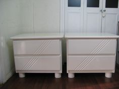 $100 2x WHITE Solid TIMBER LAMP TABLES with DRAWERS 66x50x55cm Text 0411691171 or email info@bitspencer.com