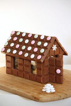 Chocolate house / Suklaatalo. Ohje blogissa/ chokladhus