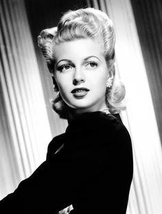 Lana Turner 1943.