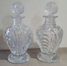Paire de flacon à liqueur en cristal du Montcenis époque Restauration Circa 1825
