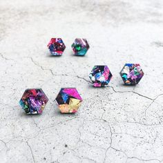 'Hex' laser cut hexagon glitter acrylic earrings cut from a chunky multi coloured foil glitter acrylic. - Laser cut from lightweight acrylic - Hypoallergeni Gifts For Nan, Aunt Gifts, Sister Gifts, Acrylic Shapes, Laser Cut Acrylic, Glitter Acrylics, Homemade Jewelry, Diy Accessories, Polymer Clay Jewelry