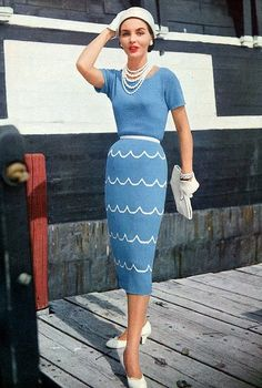 Clapotis is a vintage womans short sleeved afternoon, engagement, or wedding dress knitting pattern from Vogue Knitting Spring/Summer 1955 magazine. Vintage Mode, Look Vintage, Vintage Glamour, Vintage Beauty, 50s Vintage, Vestidos Vintage, Vintage Dresses, Vintage Outfits, Look Fashion