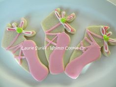 For Emma's Ballet Tea Party, these would be perfect! Ballerina Cookies, Ballerina Party, Little Ballerina, Angelina Ballerina, Bolacha Cookies, Dance Cakes, Dance Themes, Cookie Designs, Cookie Decorating