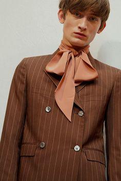 Gucci - Gucci Suit - Ideas of Gucci Suit - Gucci Menswear Milan Burberry Men, Gucci Men, Hermes Men, Gucci Gucci, Versace Men, Gucci Suit, Androgynous Fashion, Hugo Boss Man, Men Street