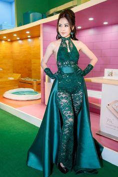 -Những lần diện váy áo 'xấu đau đớn' của Chi Pu-  https://lamdep.win/nhung-lan-dien-vay-ao-xau-dau-don-cua-chi-pu/