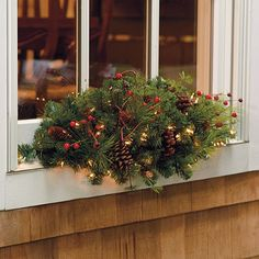 Pre Lit Outdoor Christmas Wreaths