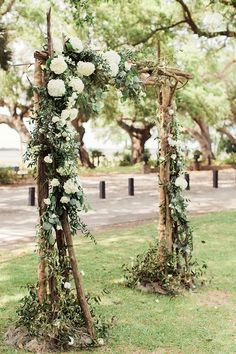beautiful floral rustic wedding arch trends for 2018 Rustic Wedding Alter, Romantic Wedding Receptions, Wedding Ceremony Arch, Wedding Ceremony Decorations, Wedding Ideas, Diy Wedding, Romantic Weddings, Spring Wedding, Unique Weddings