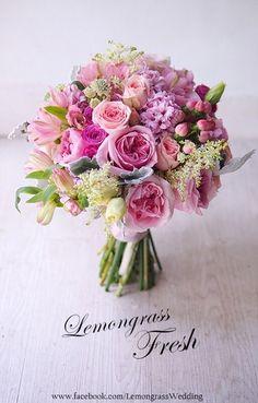 48 Trendy Ideas For Flowers Boquette Wedding Spring Spring Wedding Bouquets, Bride Bouquets, Flower Bouquet Wedding, Bridesmaid Bouquet, Floral Bouquets, Beautiful Flower Arrangements, Floral Arrangements, Beautiful Flowers, Beautiful Pictures