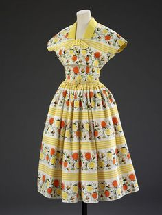 Summer dress & jacket Place of origin: England, Britain (made) Date: 1955 (made) Artist/Maker: Horrockses Fashions (designer) Materials and Techniques: Printed cotton